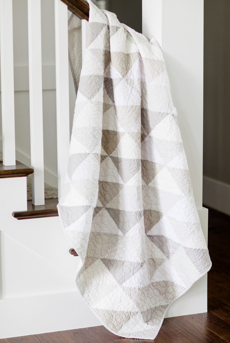 white-and-gray-modern-triangles-quilt